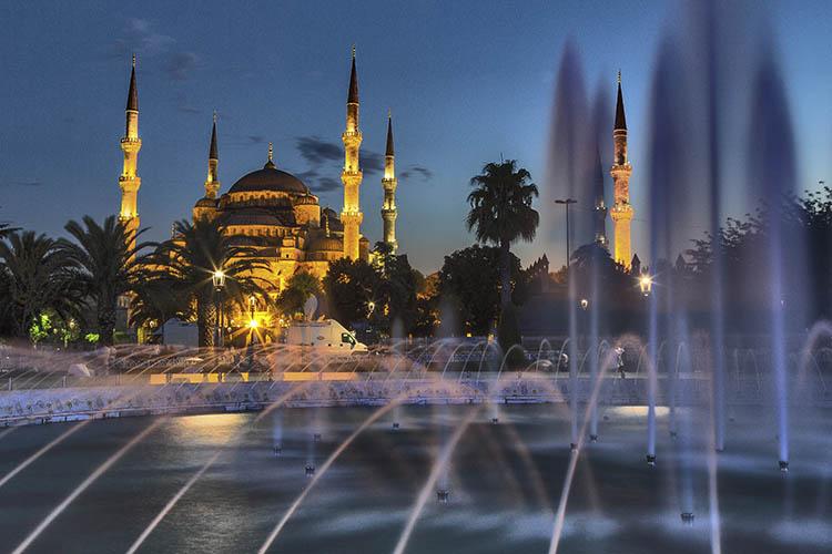 sultanahmet-mezquita-azul-by-night